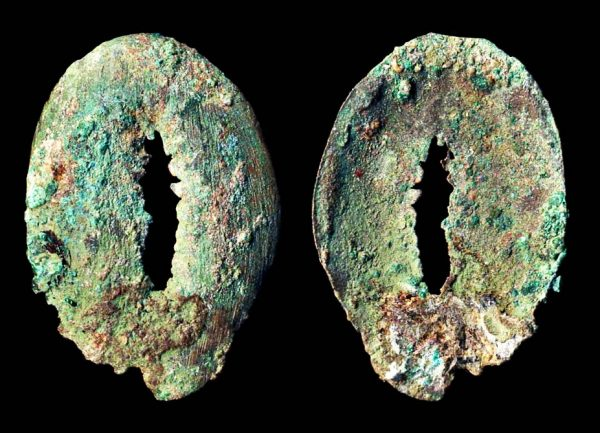 Ancient China bronze imitation cowrie coin of Zhou Dynasty