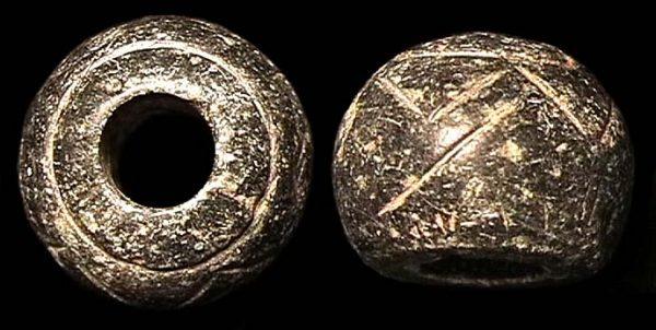 PAKISTAN, INDUS, c. 1800-1000 BC, decorated stone bead