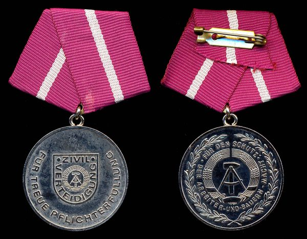 EAST GERMANY, Civil Defense Faithful Service Medal, 2nd Class, (1977-90)