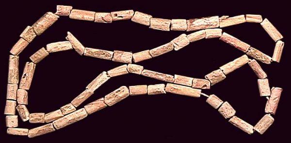 ECUADOR, 13-15th spondylus shell beads