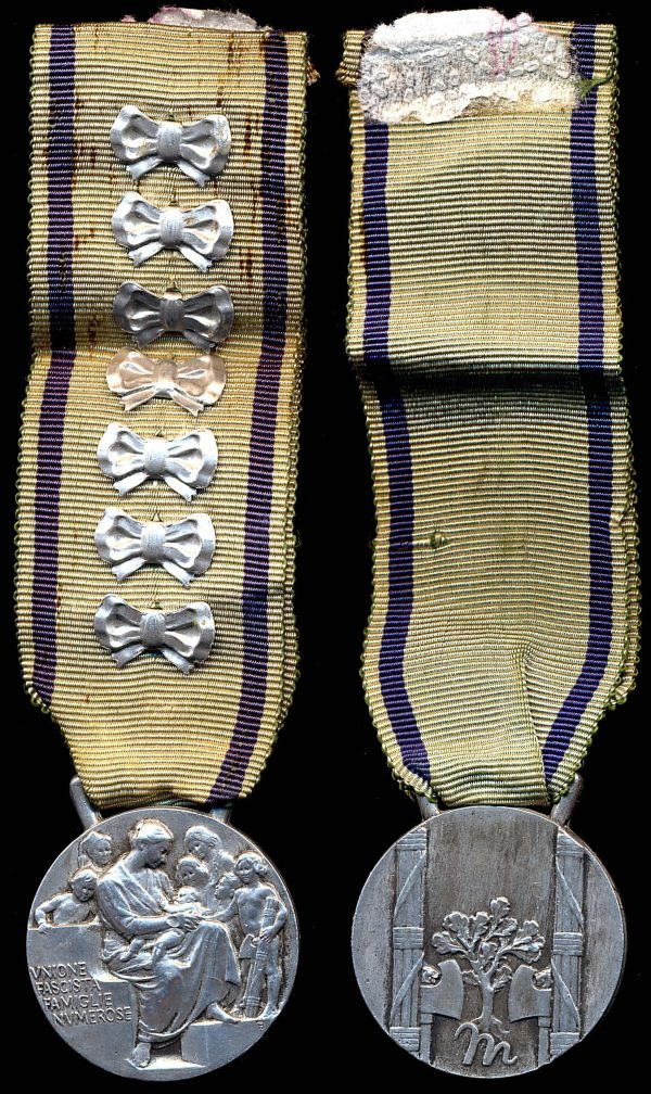 ITALY, Mother's Medal