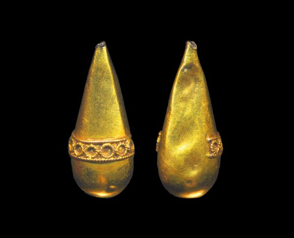 UKRAINE, ancient gold earring