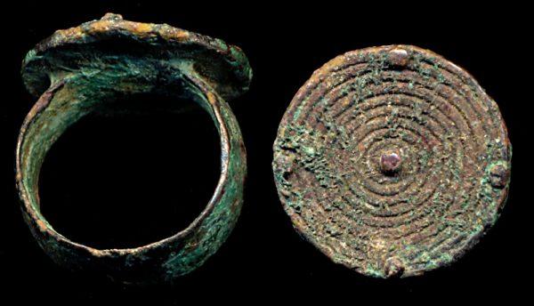 PAKISTAN, BAKTRIAN, c. 3000-1000 BC, ring