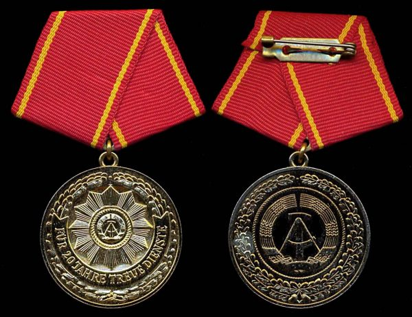 EAST GERMANY 20 Years Faithful Service in Interior Ministry Troops Medal