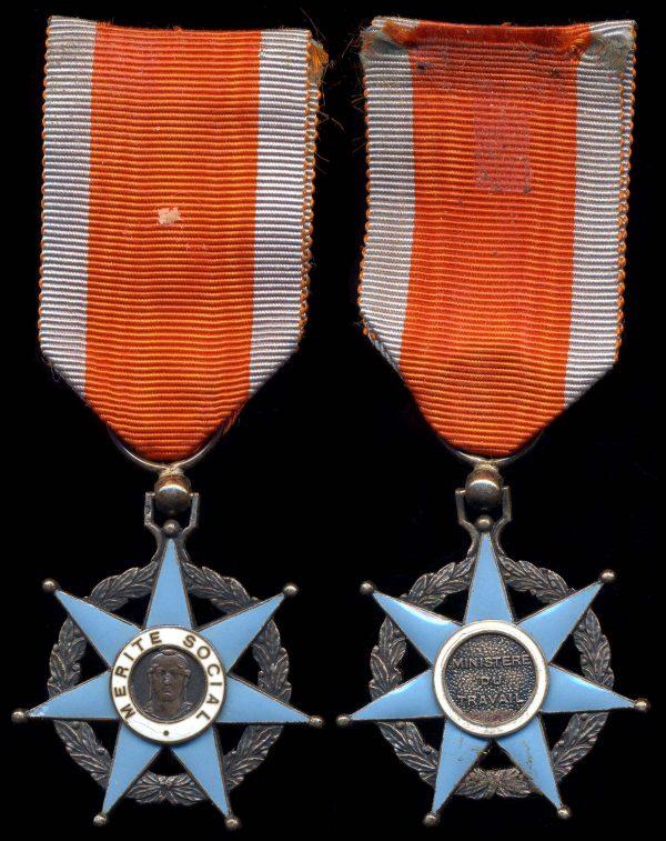 FRANCE Order of Social Merit Chevalier