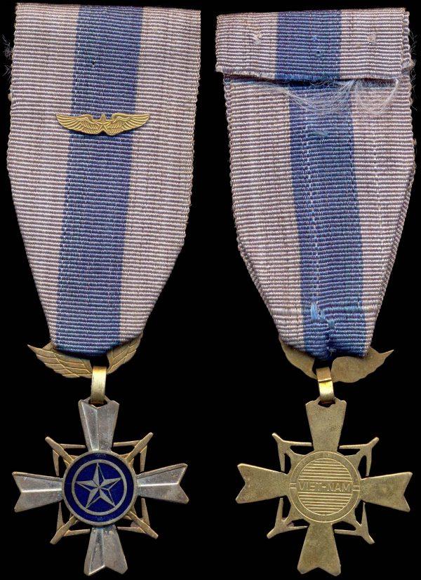 SOUTH VIETNAM Air Gallantry Cross