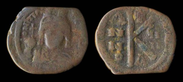 BYZANTINE, Maurice Tiberius, 582-602 AD, half follis, year 8, Constantinople mint